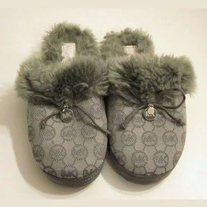 MICHAEL KORS fur slip on shoe size 5-5 1/2